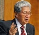 Sen. Daniel Akaka's bill would make programs for bosses mandatory.