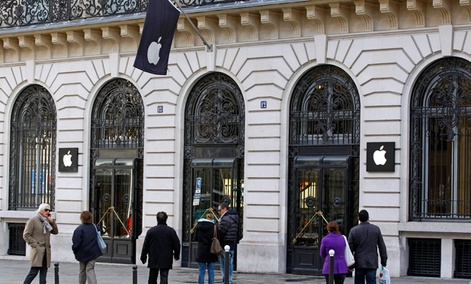 An Apple store in Paris