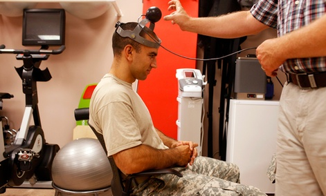 1st Lt. Timothy Dwyer has a sensor strapped to his head which will measure his head movement during cognitive testing at the Fort Campbell Army base in Fort Campbell, Ky.