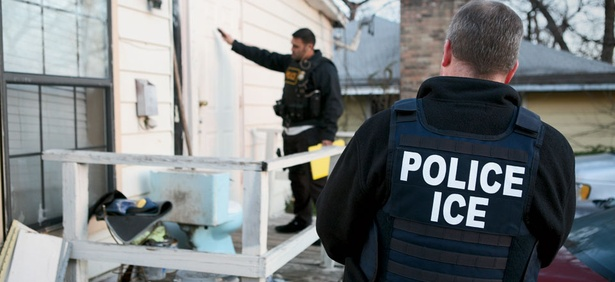 A union official says immigration reform proposals in Congress would make it difficult for ICE agents to do their job.