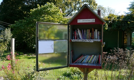 An example of a little free library in Eugene, Oregon.