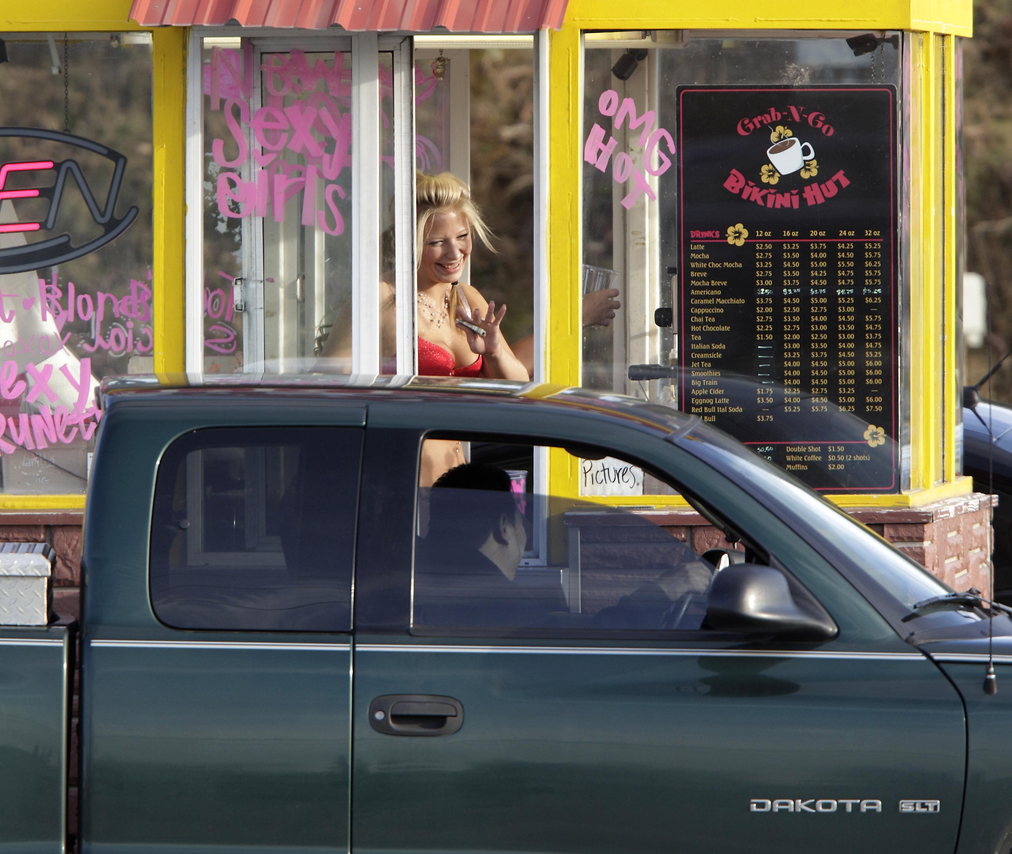 Everett washington bikini cooffe drive through