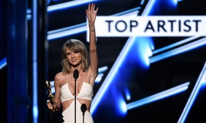 Taylor Swift accepts the award for top artist at the Billboard Music Awards at the MGM Grand Garden Arena on Sunday, May 17, 2015, in Las Vegas.