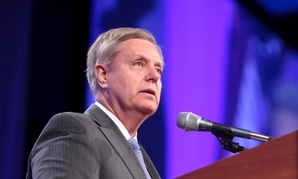 Just some advice: It might be time to go iPhone shopping, Sen. Graham.