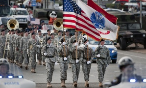 Soldiers assigned to the 101st Airborne Division (Air Assault) Honor Guard of Fort Campbell, Ky., lead the 2012 Veterans Day parade in Nashville.