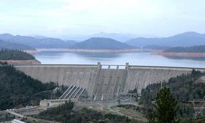 The Shasta Dam in 2008.