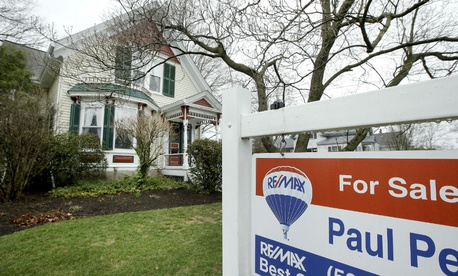 Mortgage rates hold above 4%