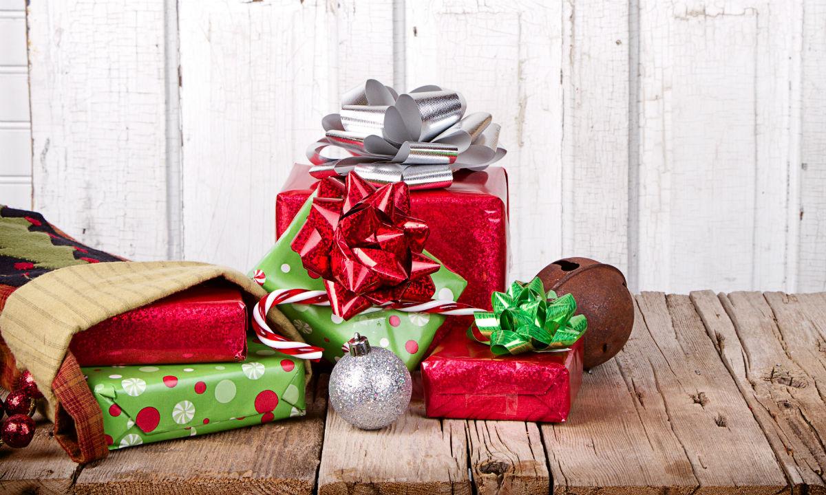 obama gives feds half-day off on christmas eve - pay  u0026 benefits