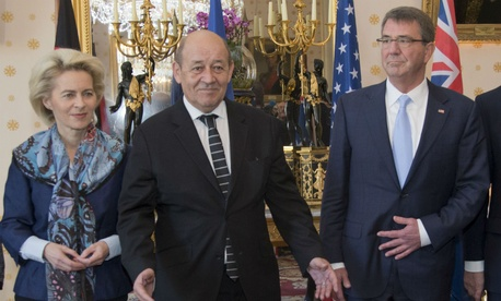 From left,  German Defense Minister Ursula von der Leyen meets with French Defense Minister Jean-Yves Le Drian and U.S. Defense Secretary Ash Carter at the Defense Ministry in Paris.