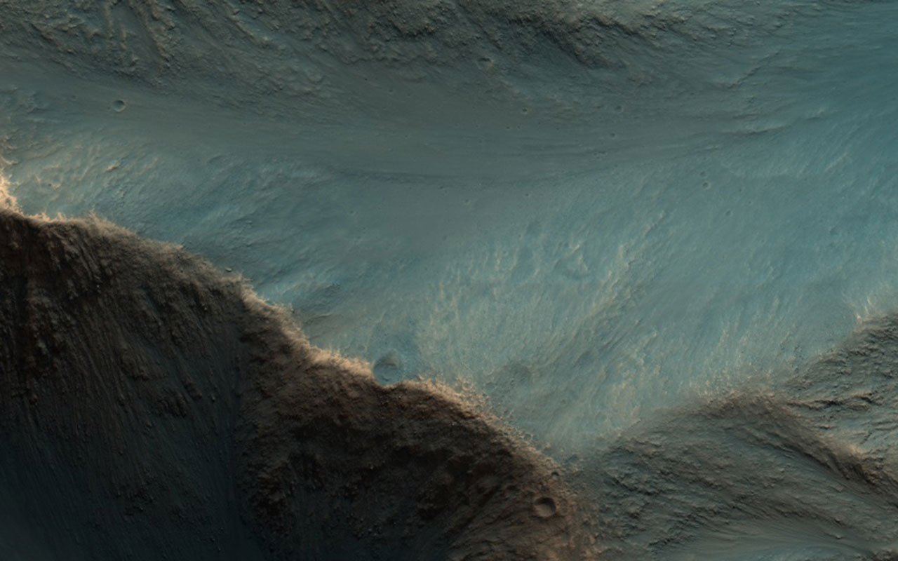 NASA Has Released 1,000 Weirdly Beautiful Photos of the Landscapes on Mars