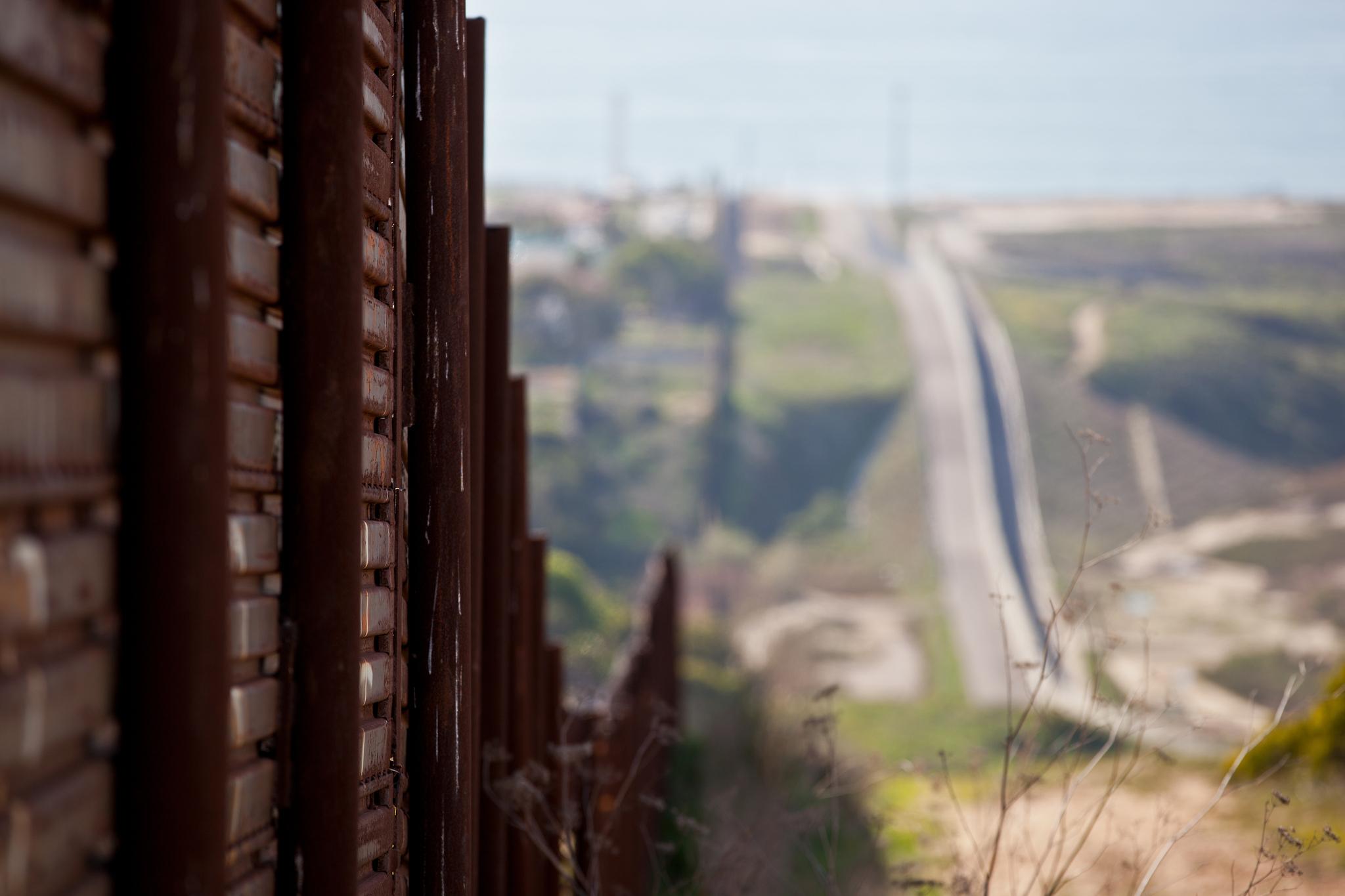 border fence argument