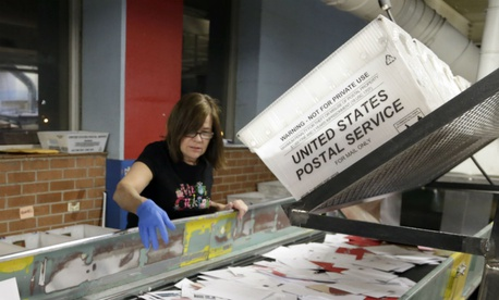 Usps Offers Early Retirement To 26 000 Employees Pay Benefits