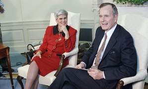 Violeta Chamorro President of Nicaragua meets with former President Bush in the Oval Office at the White House in 1992.