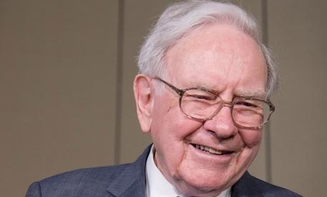A Fake Warren Buffett Twitter Account Is Spewing Life Advice And