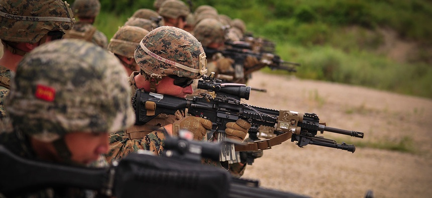Koreans and Americans train at a firing range in Hawaii in 2017.