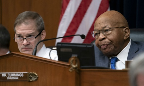 House Oversight and Reform Committee ranking member Rep. Jim Jordan, R-Ohio (left), and Chairman Rep. Elijah Cummings, D-Md. Cummings has introduced legislation to codify banning the box.