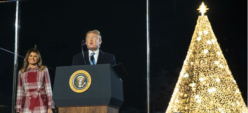 Christmas Eve 2020 Federal In Surprise Move, Trump Gives Federal Employees Christmas Eve Off