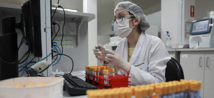 Hospital Puc de Campinas (SP) in Brazil on October 2 received doses of the new vaccine against coronavirus from the American company Johnson & Johnson, which will be tested on 1,000 volunteers from the Campinas region.